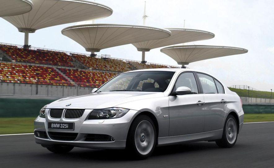 2006 BMW 3-series sedan - Slide 1