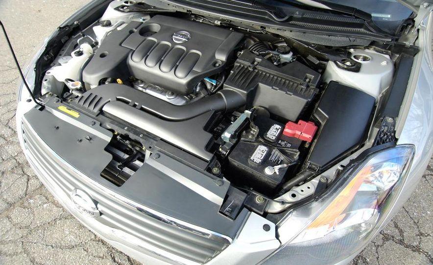 2009 Hyundai Sonata, 2008 Ford Fusion, 2008 Toyota Camry, 2008 Honda Accord, 2008 Dodge Avenger, 2008 Nissan Altima, 2008 Chevy Malibu - Slide 9