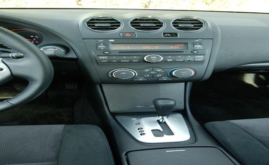 2009 Hyundai Sonata, 2008 Ford Fusion, 2008 Toyota Camry, 2008 Honda Accord, 2008 Dodge Avenger, 2008 Nissan Altima, 2008 Chevy Malibu - Slide 6