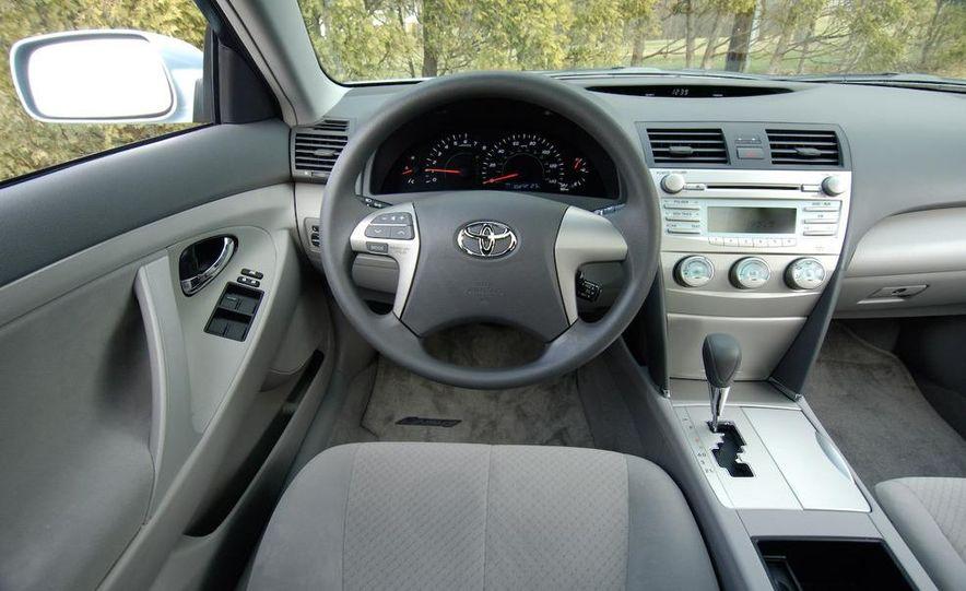 2009 Hyundai Sonata, 2008 Ford Fusion, 2008 Toyota Camry, 2008 Honda Accord, 2008 Dodge Avenger, 2008 Nissan Altima, 2008 Chevy Malibu - Slide 19
