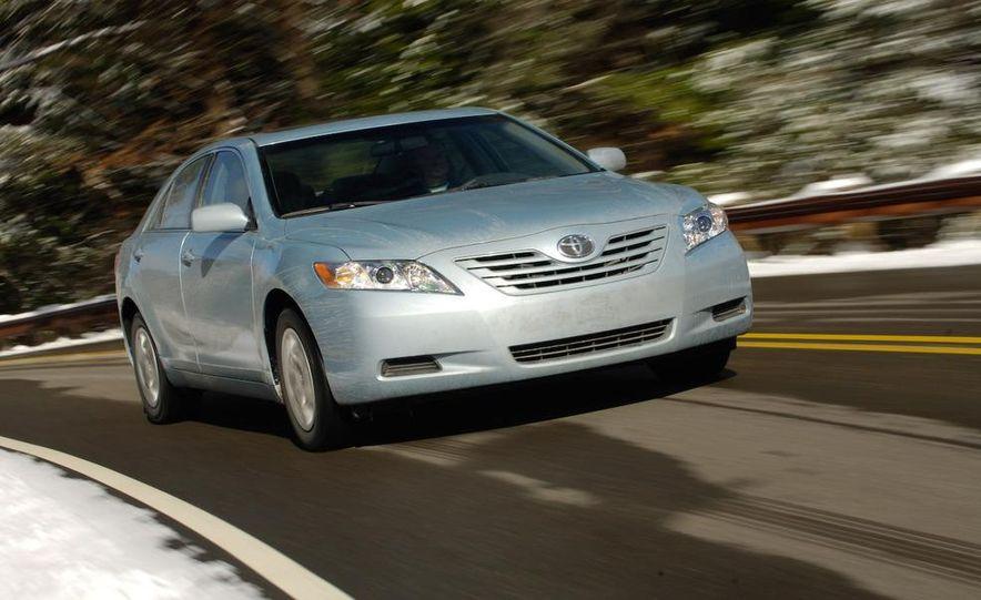2009 Hyundai Sonata, 2008 Ford Fusion, 2008 Toyota Camry, 2008 Honda Accord, 2008 Dodge Avenger, 2008 Nissan Altima, 2008 Chevy Malibu - Slide 18
