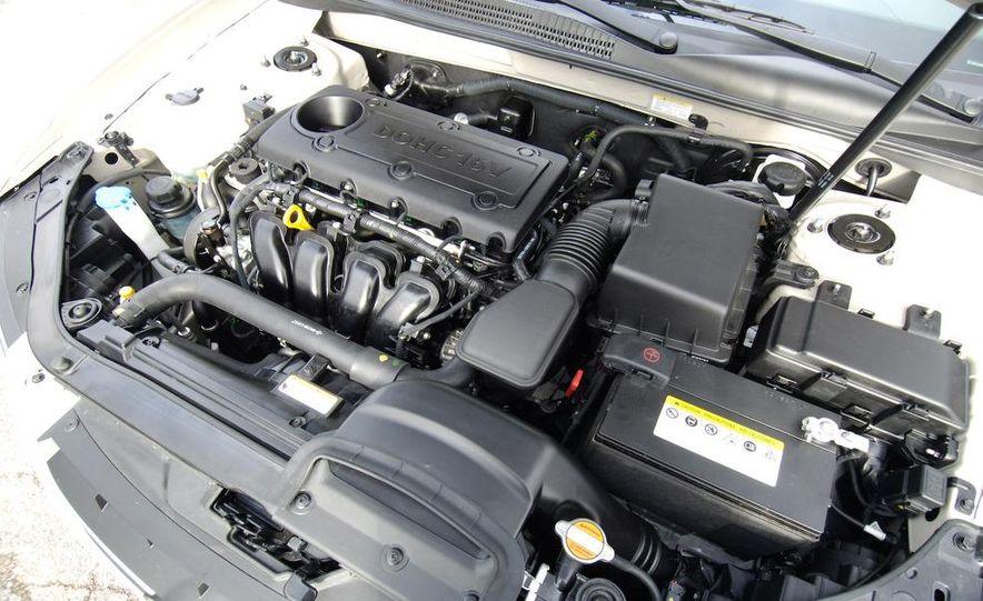 2009 Hyundai Sonata, 2008 Ford Fusion, 2008 Toyota Camry, 2008 Honda Accord, 2008 Dodge Avenger, 2008 Nissan Altima, 2008 Chevy Malibu - Slide 28
