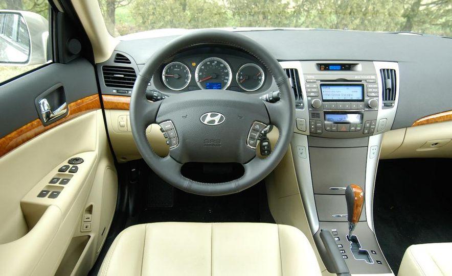 2009 Hyundai Sonata, 2008 Ford Fusion, 2008 Toyota Camry, 2008 Honda Accord, 2008 Dodge Avenger, 2008 Nissan Altima, 2008 Chevy Malibu - Slide 24