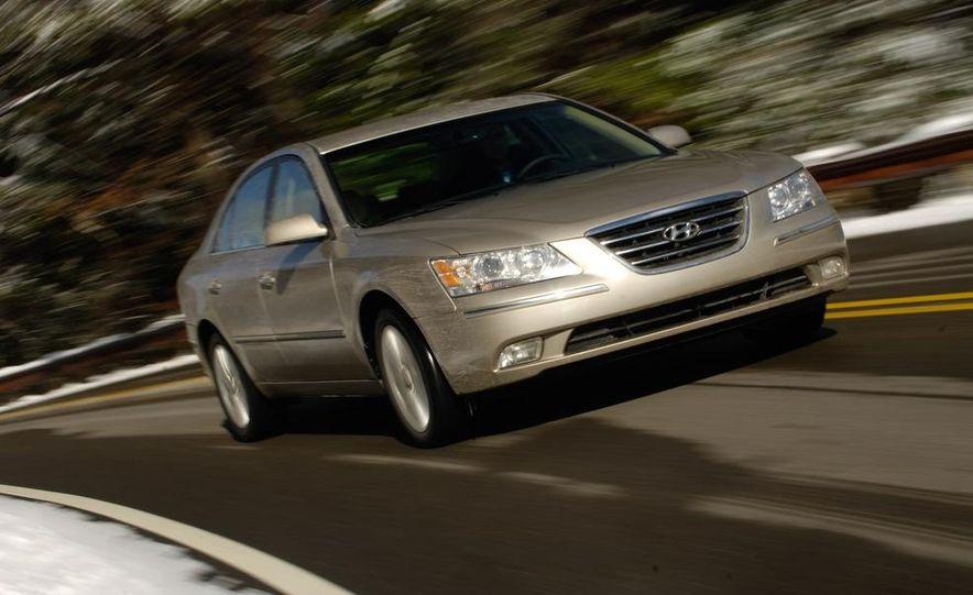 2009 Hyundai Sonata, 2008 Ford Fusion, 2008 Toyota Camry, 2008 Honda Accord, 2008 Dodge Avenger, 2008 Nissan Altima, 2008 Chevy Malibu - Slide 22