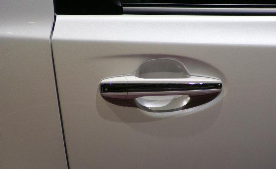 2009 Toyota iQ - Slide 4