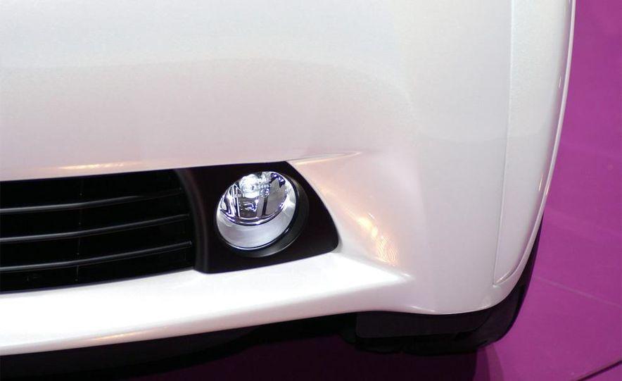 2009 Toyota iQ - Slide 10