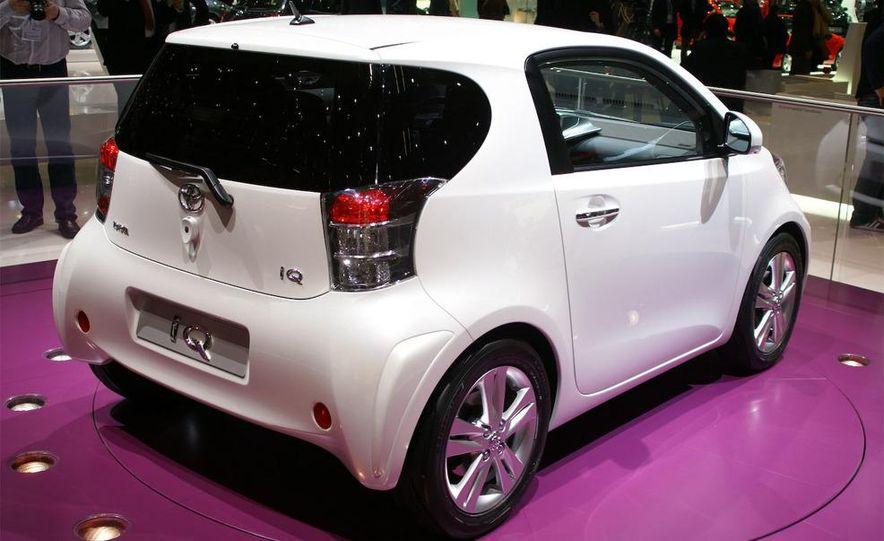 2009 Toyota iQ - Slide 2
