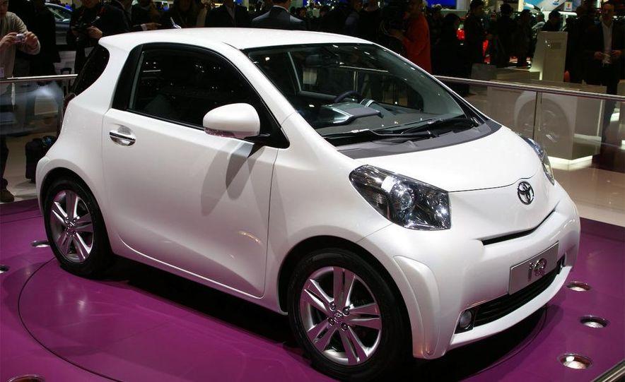 2009 Toyota iQ - Slide 1