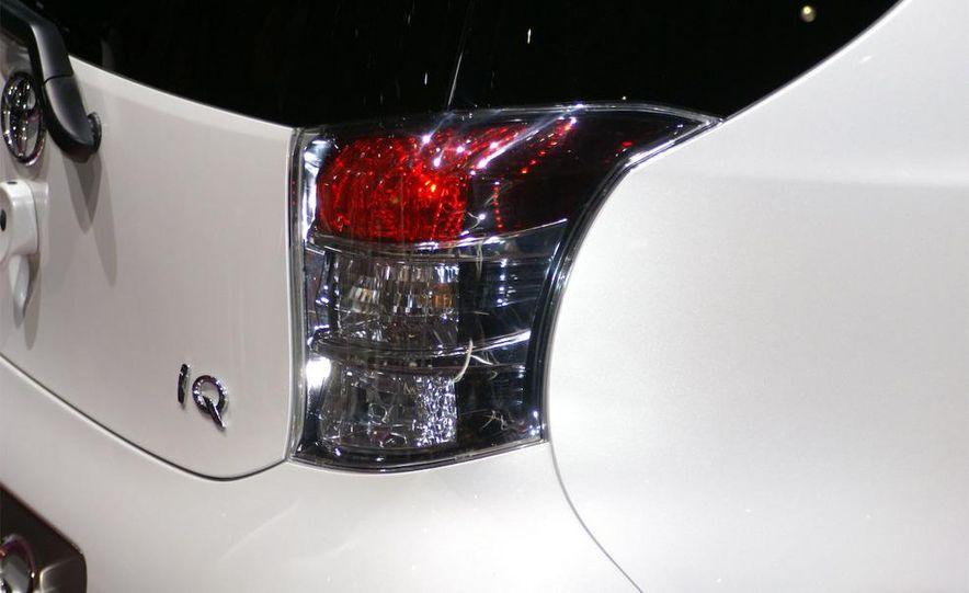 2009 Toyota iQ - Slide 3
