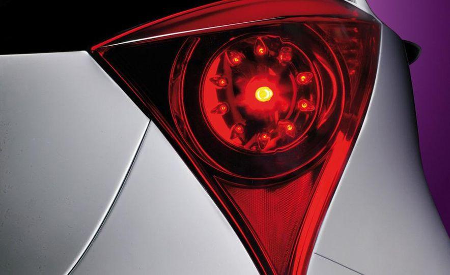 2009 Toyota iQ - Slide 16
