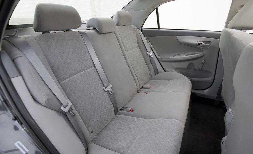 2009 Toyota Corolla - Slide 8