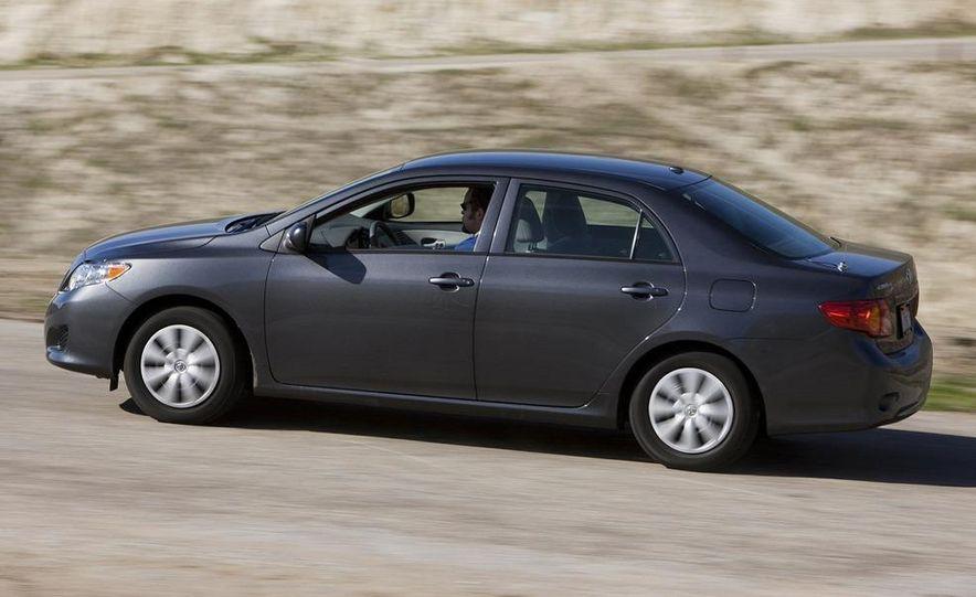 2009 Toyota Corolla - Slide 2