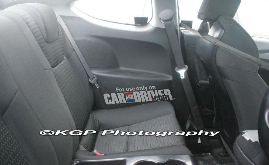 2010 Hyundai Genesis coupe - Slide 7