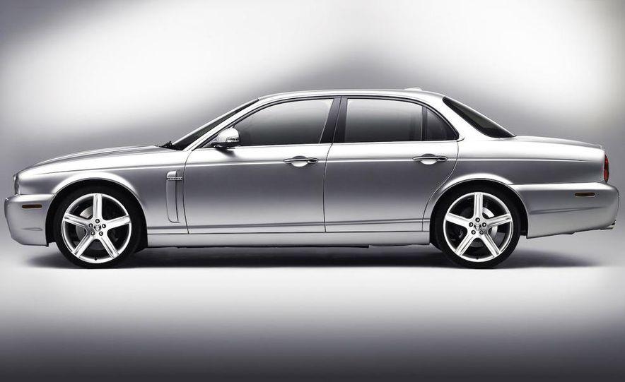 2009 Jaguar XKR Portfolio Edition - Slide 30
