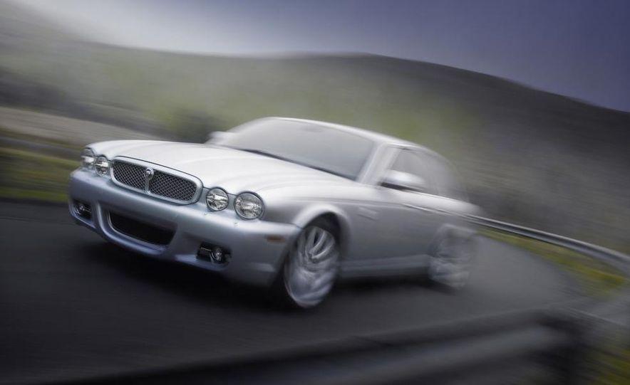 2009 Jaguar XKR Portfolio Edition - Slide 31