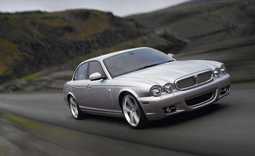 2009 Jaguar XKR Portfolio Edition - Slide 35