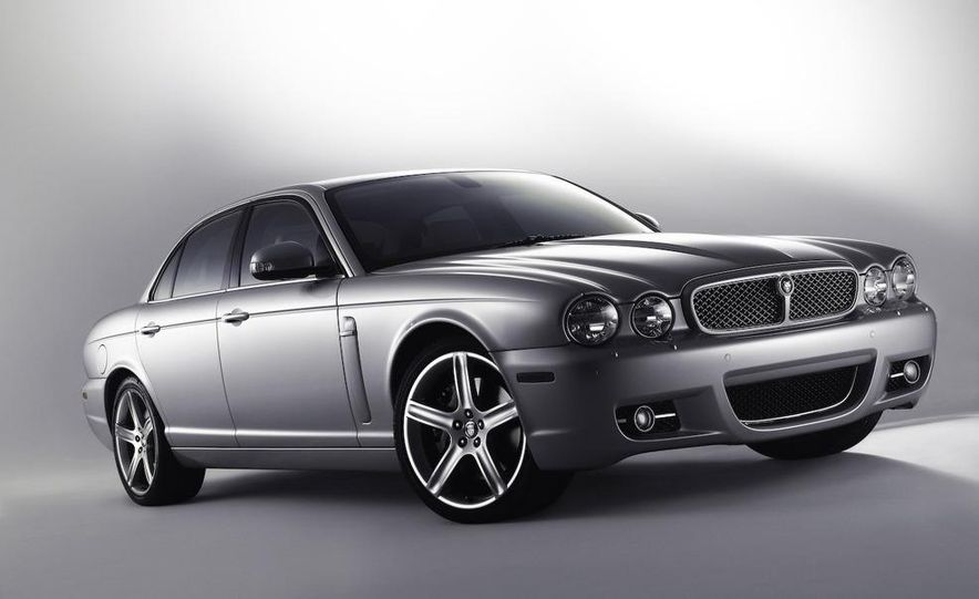 2009 Jaguar XKR Portfolio Edition - Slide 36