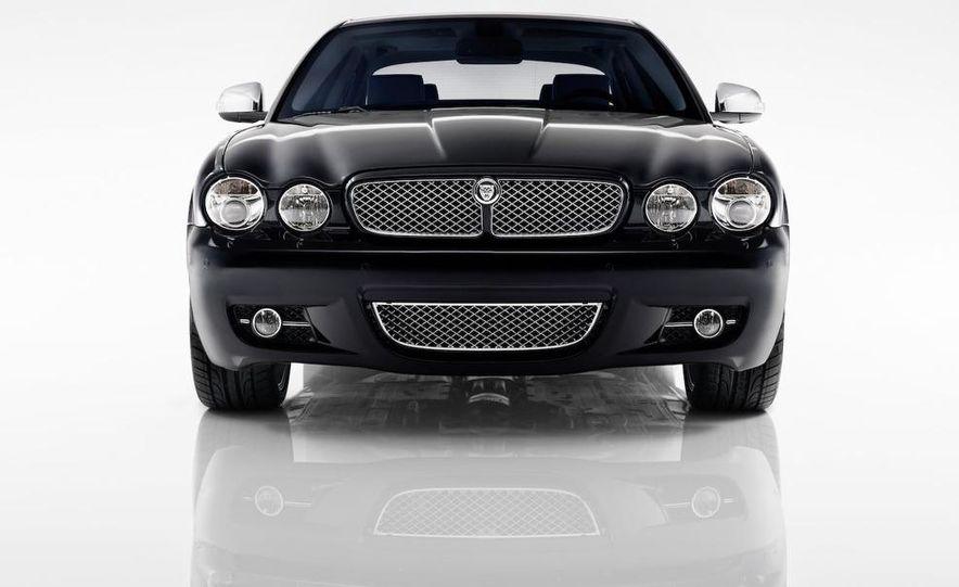 2009 Jaguar XKR Portfolio Edition - Slide 18