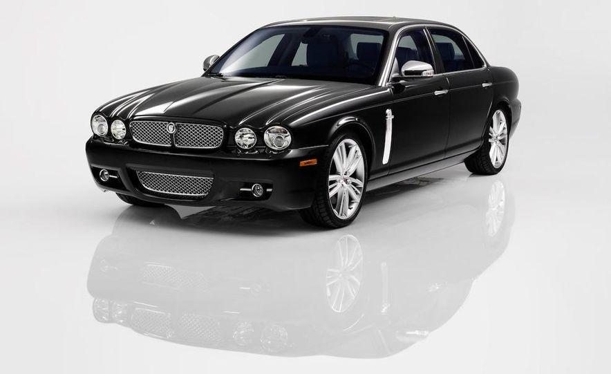 2009 Jaguar XKR Portfolio Edition - Slide 19