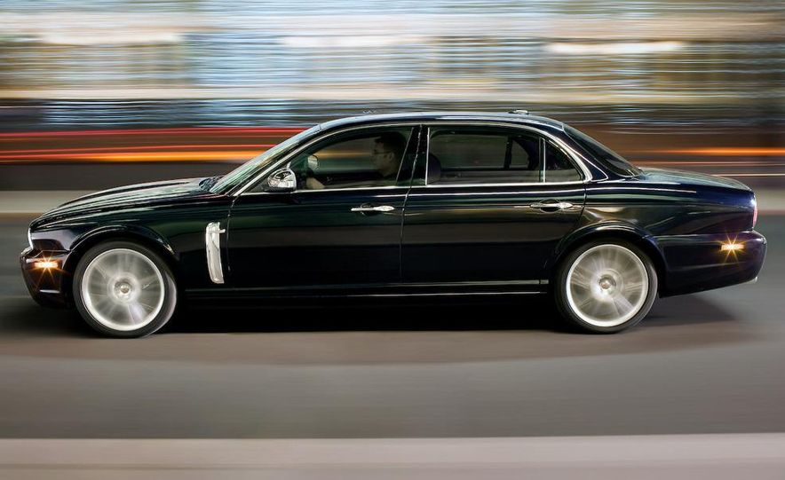 2009 Jaguar XKR Portfolio Edition - Slide 22