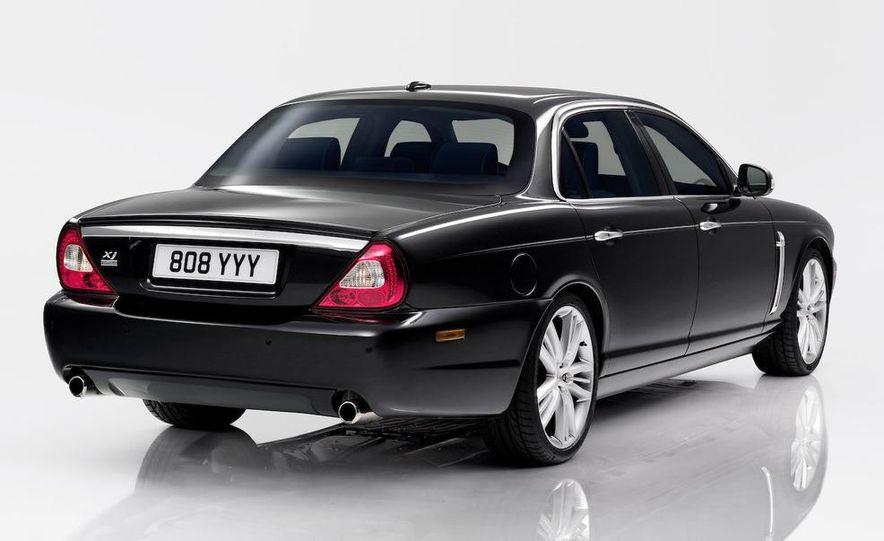 2009 Jaguar XKR Portfolio Edition - Slide 24