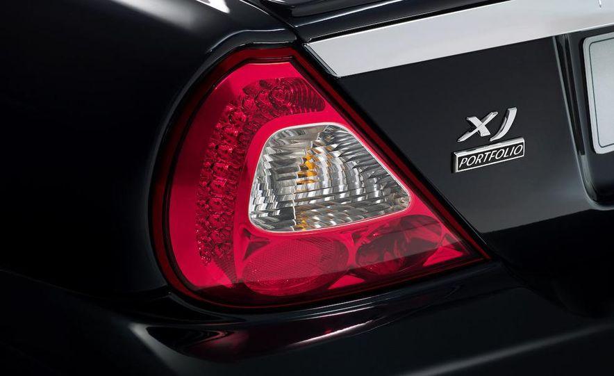 2009 Jaguar XKR Portfolio Edition - Slide 26