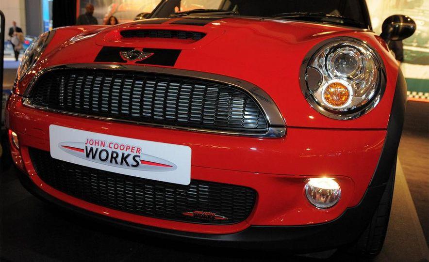 2009 Mini Cooper S John Cooper Works - Slide 4