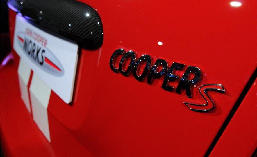 2009 Mini Cooper S John Cooper Works - Slide 21