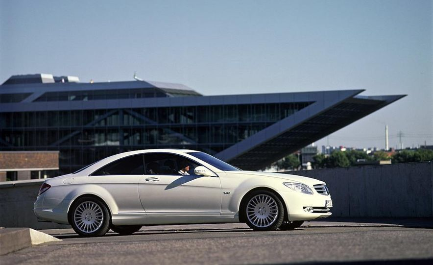 2009 Mercedes-Benz CL500 4MATIC - Slide 4