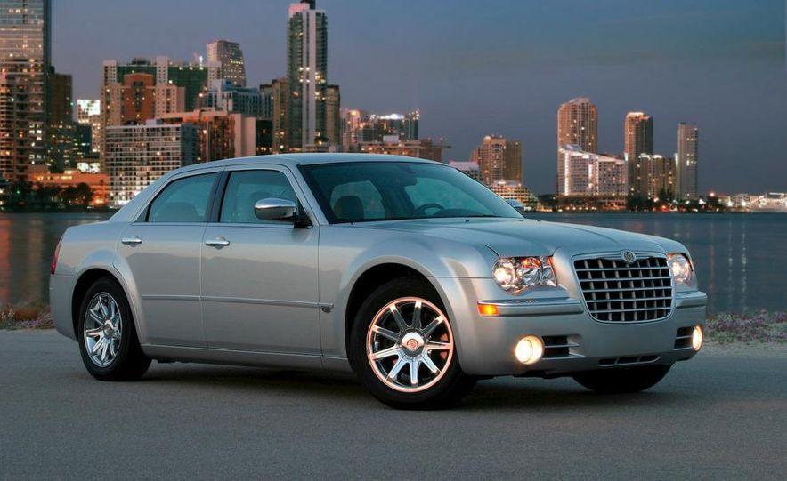 2008 Chrysler 300C SRT8 - Slide 2