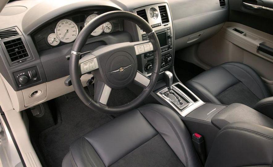 2008 Chrysler 300C SRT8 - Slide 9