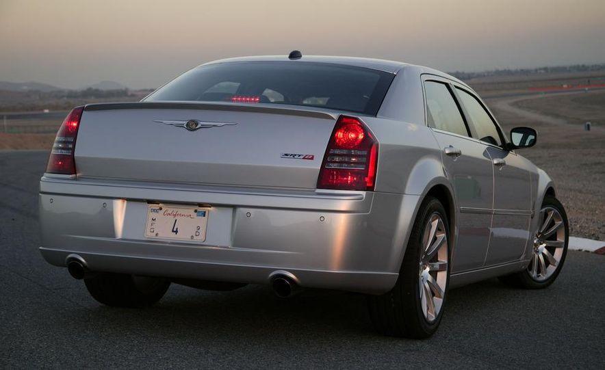 2008 Chrysler 300C SRT8 - Slide 7