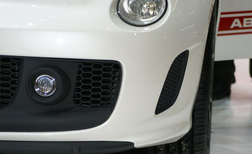 2009 Fiat 500 Abarth - Slide 11