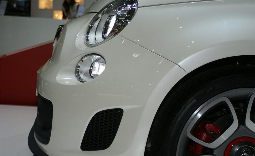 2009 Fiat 500 Abarth - Slide 9