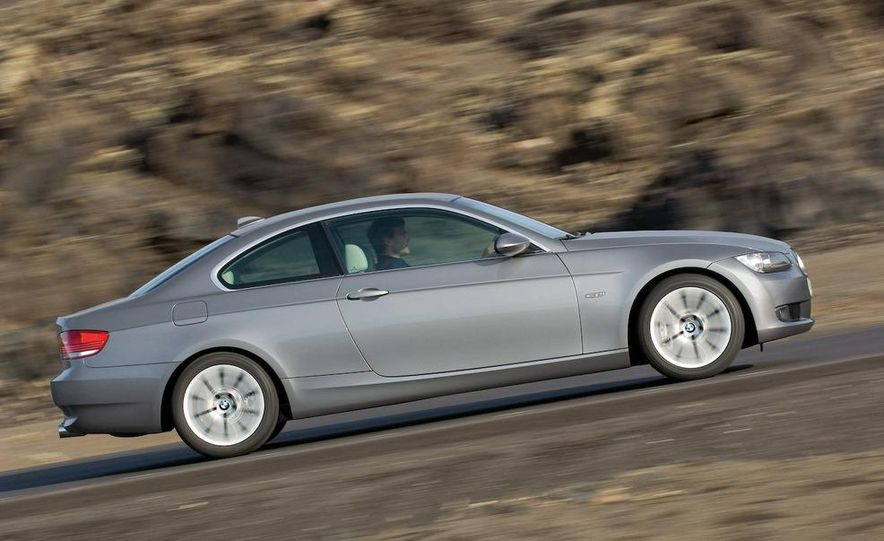 2008 BMW 3-series coupe - Slide 2
