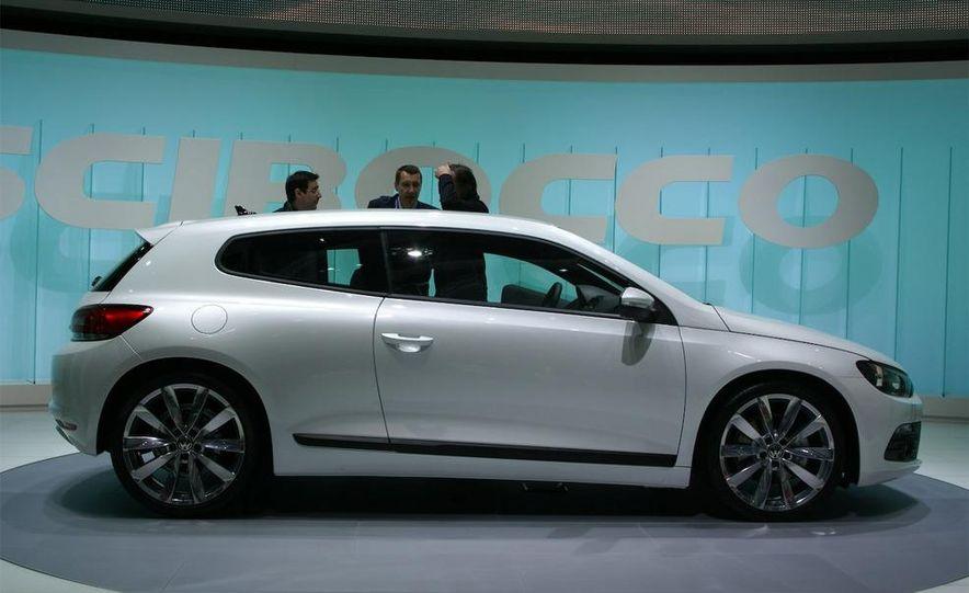 2009 Volkswagen Scirocco - Slide 2