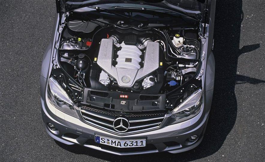 2008 Mercedes-Benz C63 AMG - Slide 13