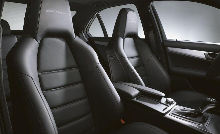 2008 Mercedes-Benz C63 AMG - Slide 15