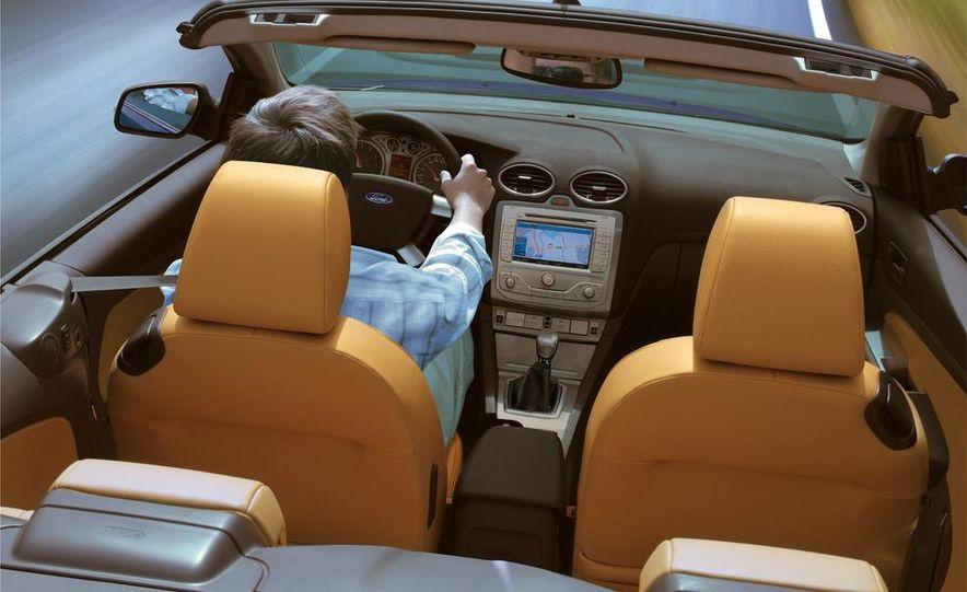 2009 Ford Focus Coupe-Cabriolet - Slide 9