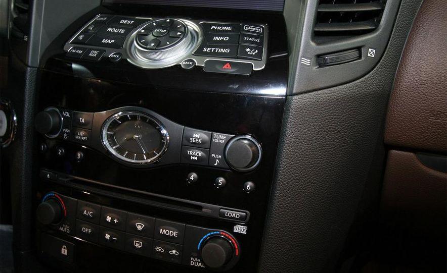 2009 Infiniti FX50 - Slide 20