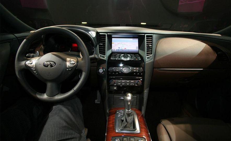 2009 Infiniti FX50 - Slide 18