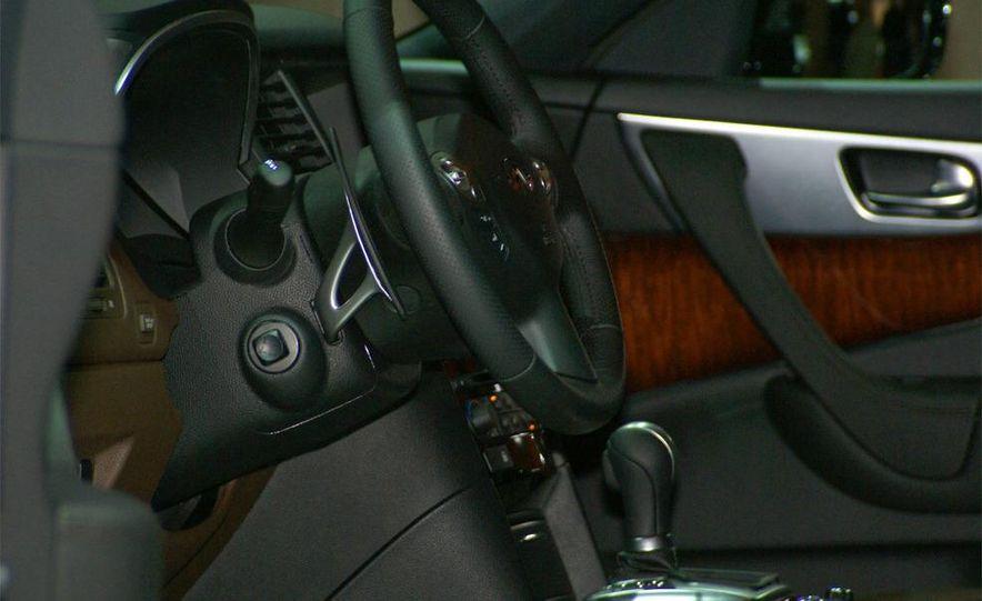 2009 Infiniti FX50 - Slide 46