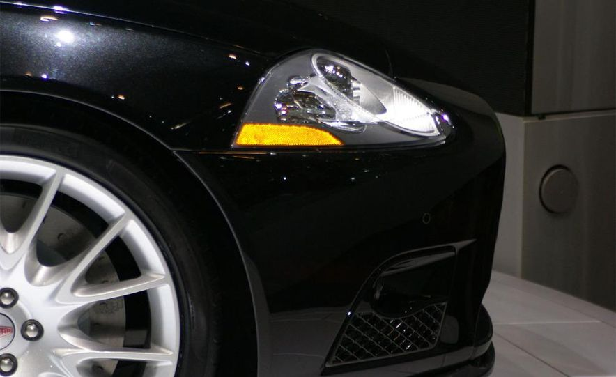 2009 Jaguar XKR-S - Slide 14
