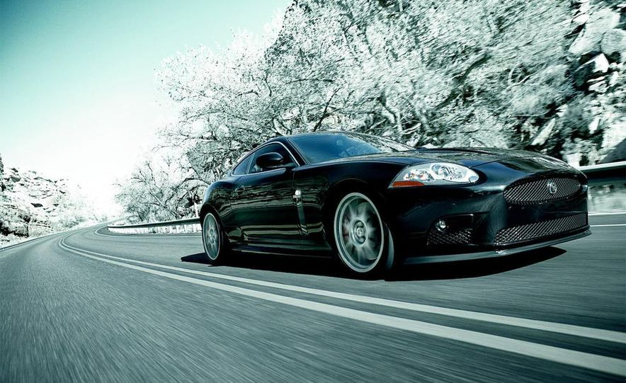 2009 Jaguar XKR-S - Slide 23