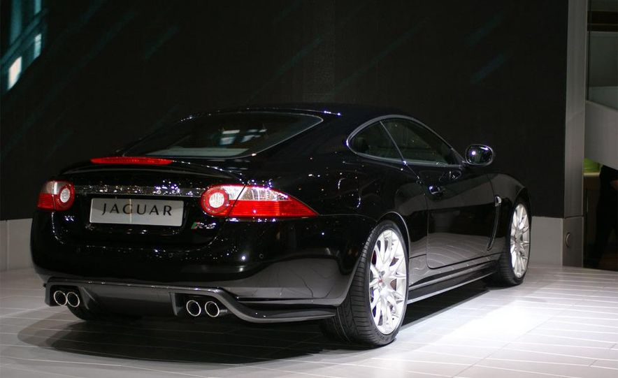 2009 Jaguar XKR-S - Slide 17