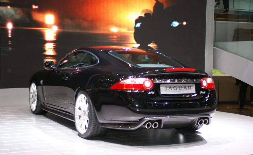2009 Jaguar XKR-S - Slide 3