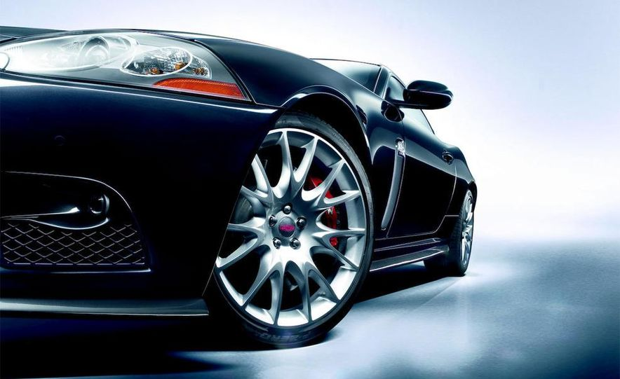 2009 Jaguar XKR-S - Slide 27