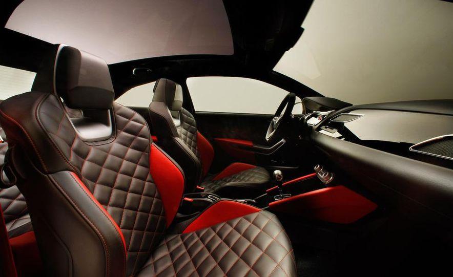 Seat Bocanegra concept interior - Slide 4