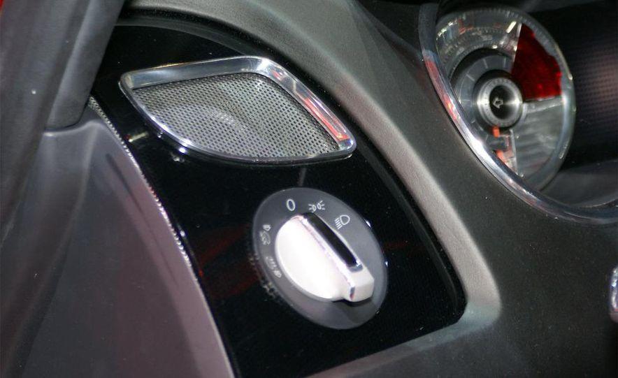 Seat Bocanegra concept interior - Slide 16