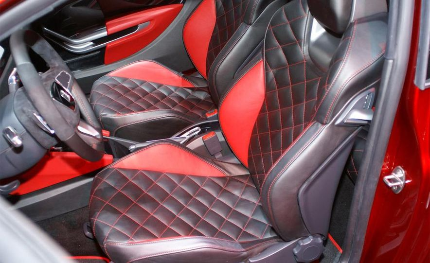 Seat Bocanegra concept interior - Slide 20
